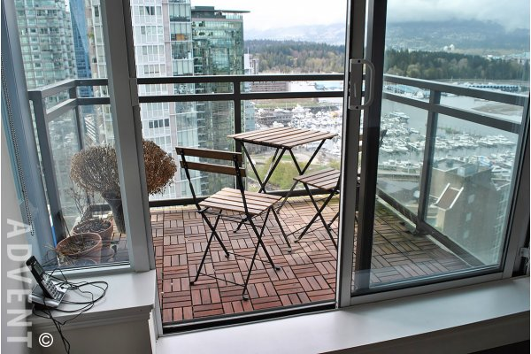 Luxury 2 Bed & Flex Apartment Rental at The Ritz in Coal Harbour, Vancouver. 2104 - 1211 Melville Street, Vancouver, BC, Canada.