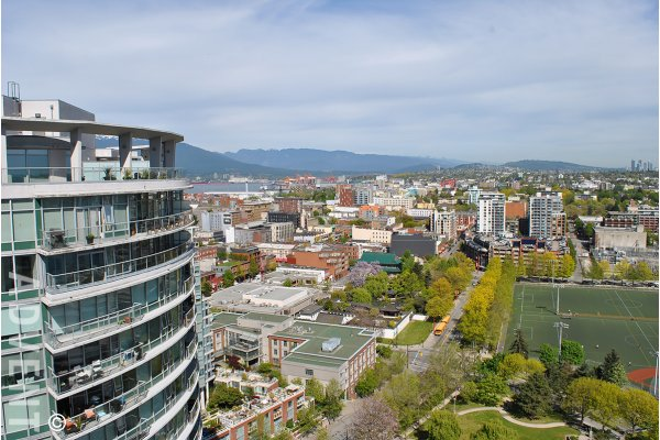 Mountain & Water View 1 Bed & Den Apartment Rental at Firenze in Downtown Vancouver. 3008 - 688 Abbott Street, Vancouver, BC, Canada.