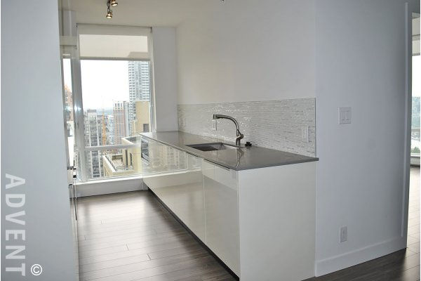 Tate Downtown 23rd Floor City View 2 Bedroom & Den Luxury Apartment Rental in Vancouver. 2306 - 1283 Howe Street, Vancouver, BC, Canada.