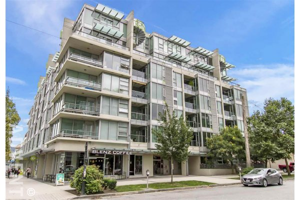 Modern 1 Bed & Solarium Apartment Rental at Pulse in Kitsilano, Westside Vancouver. 206 - 2528 Maple Street, Vancouver, BC, Canada.