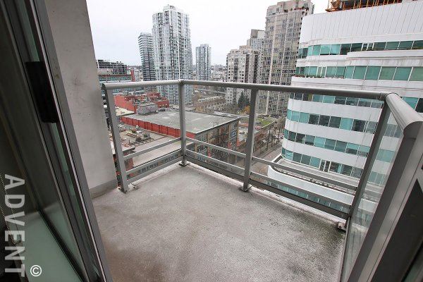 Raffles on Robson Unfurnished 1 Bedroom Apartment Rental in Downtown Vancouver. 1007 - 821 Cambie Street, Vancouver, BC, Canada.