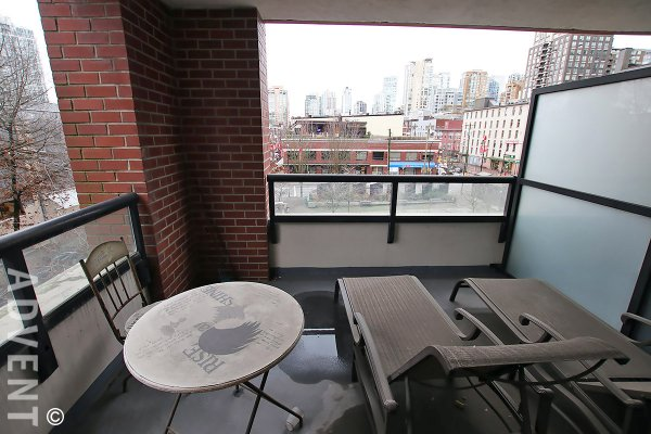 Modern 1 Bed Apartment Rental With Spacious Balcony at Yaletown Park in Vancouver. 407 - 977 Mainland Street, Vancouver, BC, Canada.
