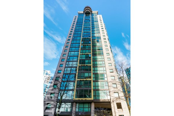 Renovated 1 Bedroom & Den Apartment Rental at The Lions in Downtown Vancouver. 401 - 1331 Alberni Street, Vancouver, BC, Canada.