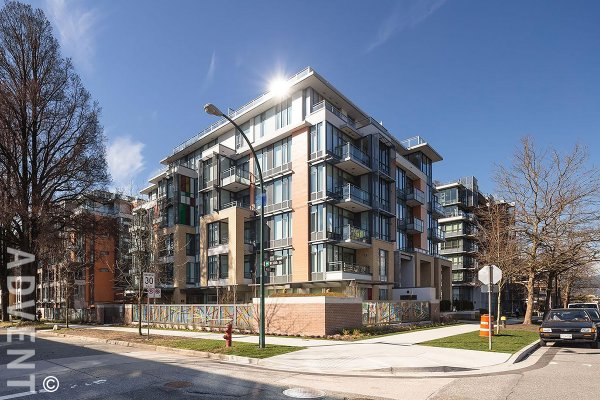 Unfurnished 1 Bedroom & Den Apartment Rental at West 10th & Maple in Kitsilano. 712 - 2033 West 10th Avenue, Vancouver, BC, Canada.