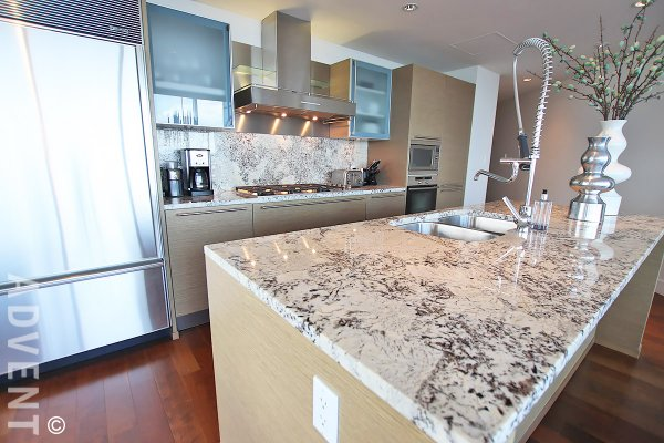 Fully Furnished Luxury 2 Bed Apartment Rental at Shangri-La in Downtown Vancouver. 4002 - 1111 Alberni Street, Vancouver, BC, Canada.