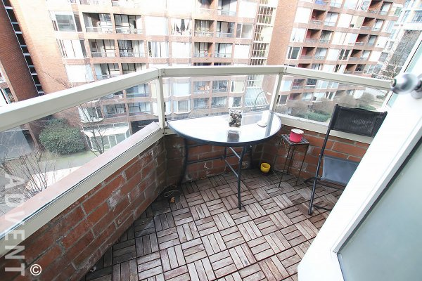 Fully Furnished 6th Floor Studio Rental at Hornby Court in Downtown Vancouver. 605 - 1330 Hornby Street, Vancouver, BC, Canada.