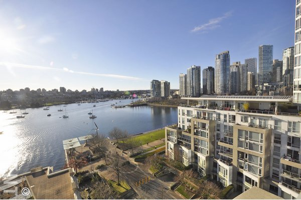 Luxury Water View 2 Bedroom Apartment Rental at The Concord in Yaletown, Vancouver. 1001 - 1328 Marinaside Crescent, Vancouver, BC, Canada.