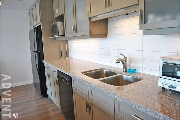 Bright & Spacious 9th Floor 1 Bedroom Unfurnished Apartment Rental at The Sandpiper in The West End. 905 - 1740 Comox Street, Vancouver, BC, Canada.
