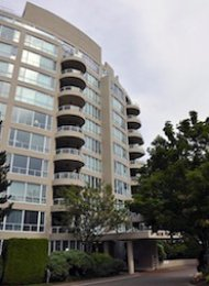 Roche Point Tower Unfurnished 2 Bedroom Penthouse For Rent in North Vancouver. 1102 - 995 Roche Point Drive, North Vancouver, BC.